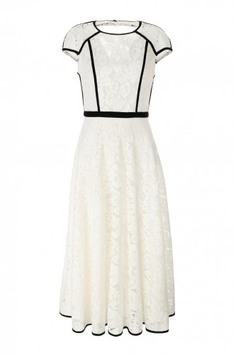 The Full Feminine Dress with Embroidered Lace